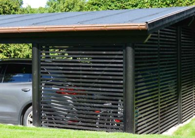 Rummelig carport fra Hampton-serien